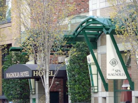 Magnolia Hotel Sign